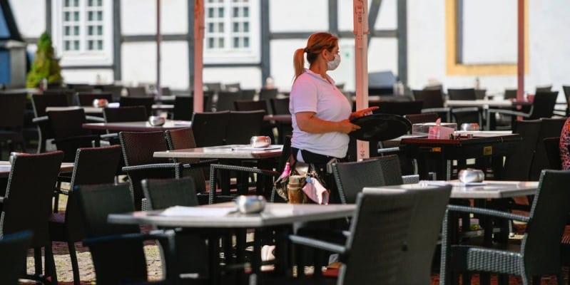 الولايات المتحدة تدخل رسميًا مرحلة الركود ومستوى إعانات البطالة يرتفع