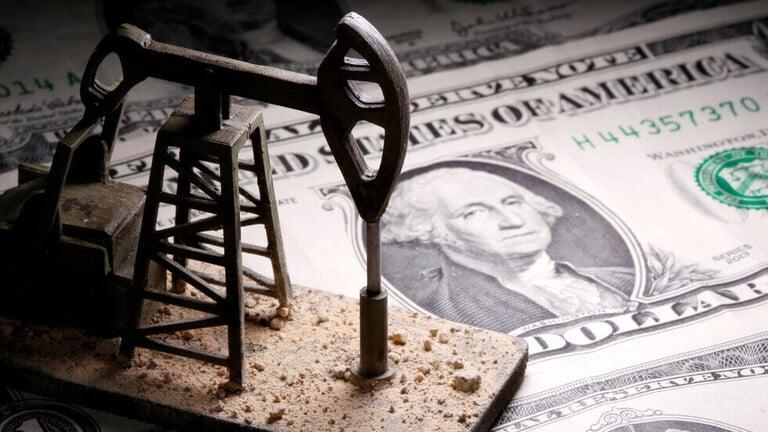 اتفاق أوبك+ يهبط بأسعار النفط 1%