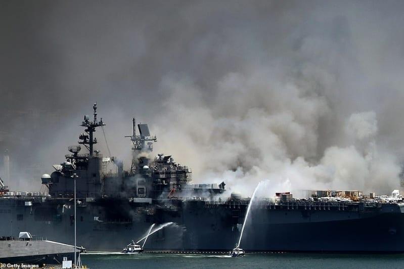 كيف وقع انفجار السفينة البحرية الضخمة USS Bonhomme Richard؟