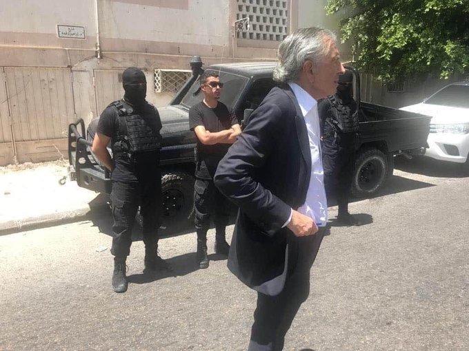 برنارد ليفي يغادر مصراتة بعد زيارة مثيرة للجدل