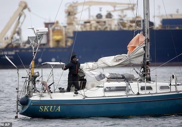 غلبه الشوق لوالديه فأبحر 3 أشهر وحيدًا في المحيط بسبب فيروس كورونا