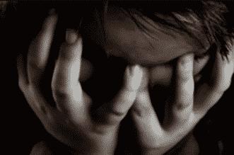 13 علامة تخبرك أن ابنك مصاب بالاكتئاب - المواطن