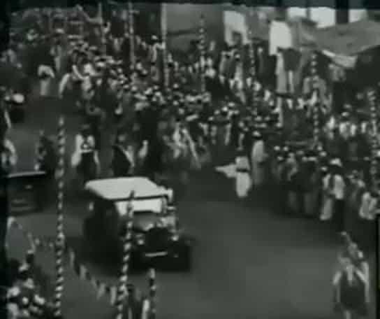 فيديو.. لحظة دخول موكب الملك عبدالعزيز مكة قبل 92 عامًا
