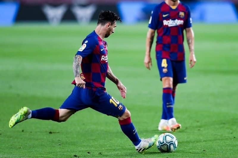 ليونيل ميسي في مباراة برشلونة ضد أوساسونا