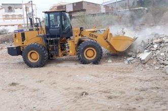 بلدية بارق تزيل 4600 طن من مخلفات المباني