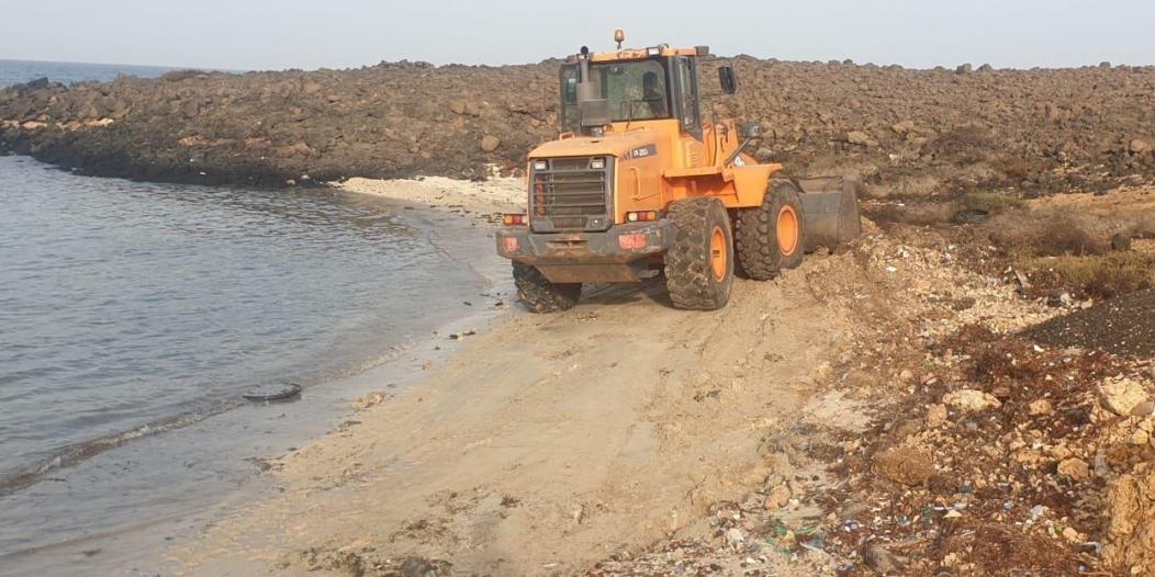 تنظيف الشواطئ في البرك لاستقبال المتنزهين