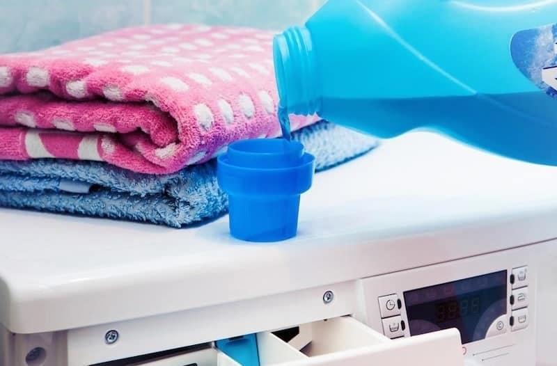 8 استخدامات للخل في تنظيف الملابس