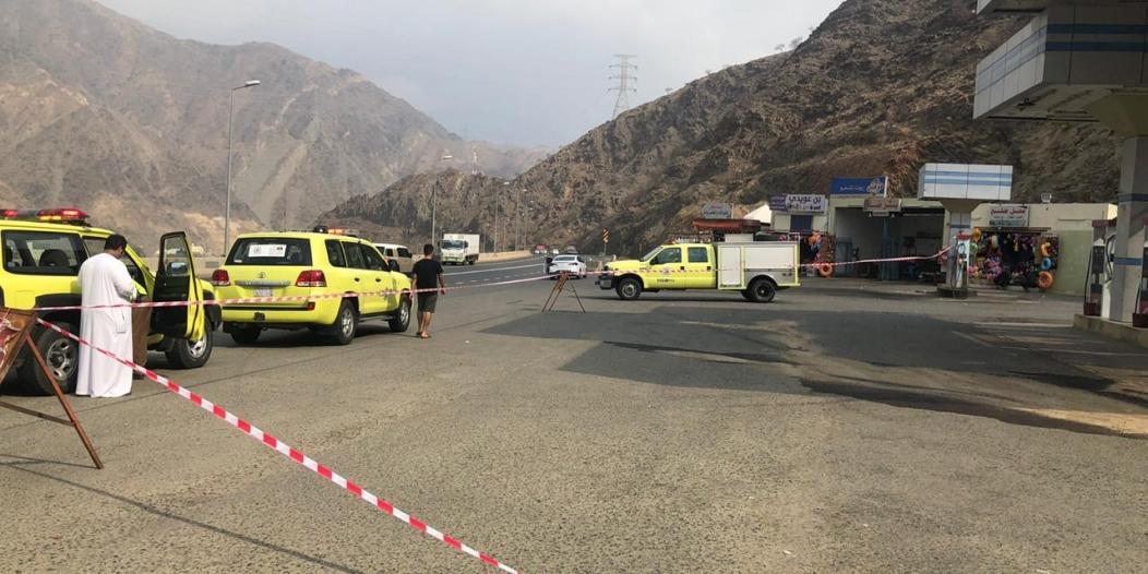 انقطاع خرطوم تعبئة البنزين في محطة وقود عسير والمدني يتدخل