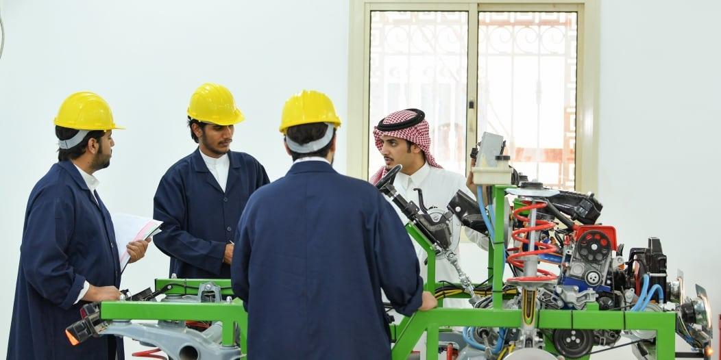 جامعة بيشة: إقبال لافت من الطالبات للالتحاق بتخصص الهندسة الصناعية