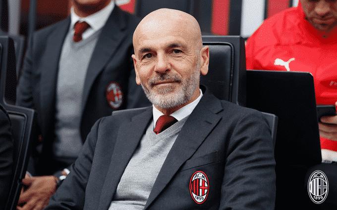 ميلان يُكافئ مدربه بيولي بالتجديد حتى صيف 2022