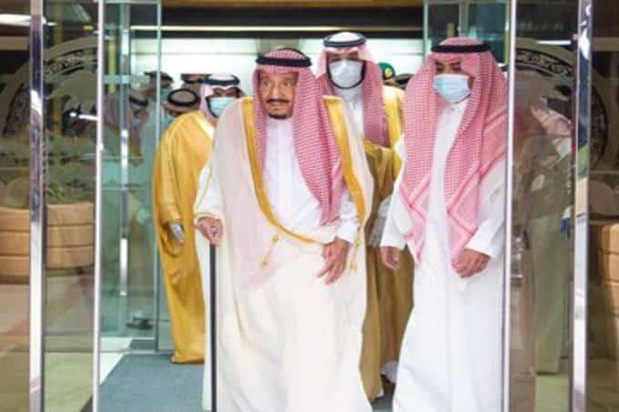 """رياضيون بعد مغادرة الملك سلمان المستشفى: """"عيدنا عيدين"""""""