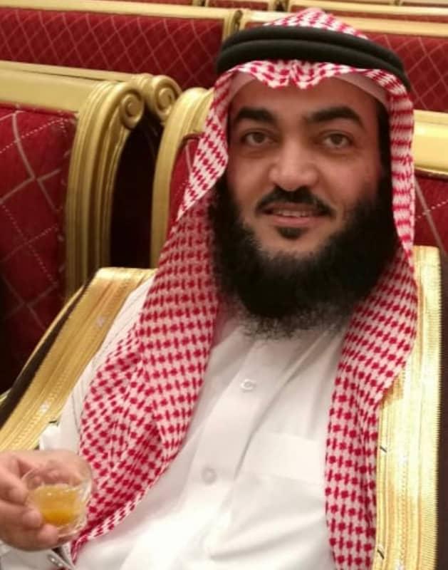 الحربي يحتفل بتخرج محمد من أمريكا - المواطن