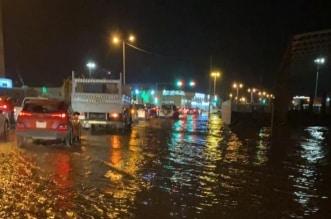 الأمطار تغرق شوارع كورنيش جازان والأمانة تستنفر - المواطن