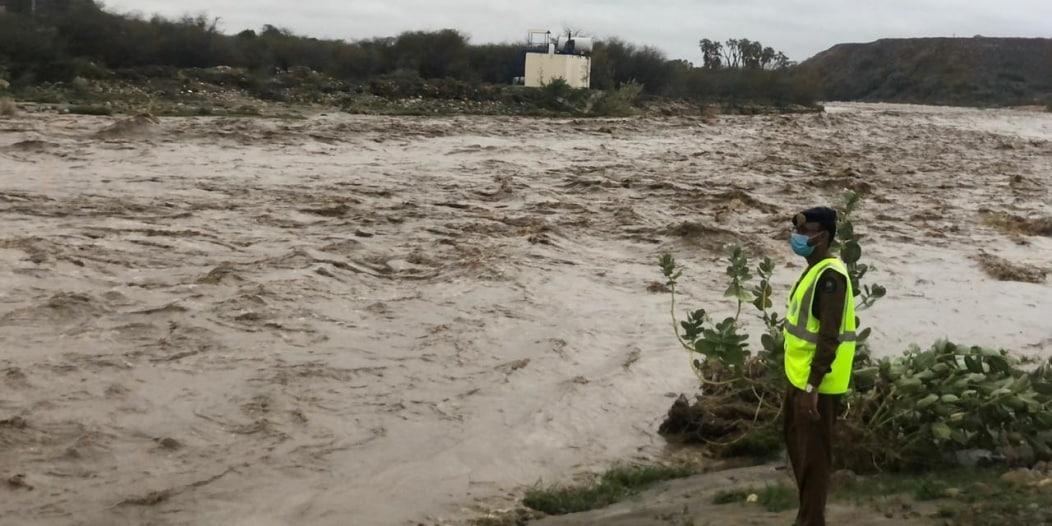 توقع هطول أمطار غزيرة على عسير.. تجنبوا مجاري الأودية والسيول