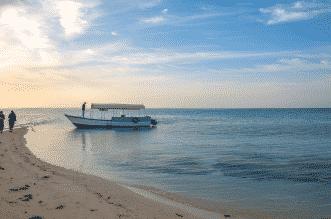 رمال ومياه فيروزية و104 جزر تتناثر كاللؤلؤ.. مرحبًا بك في أملج - المواطن