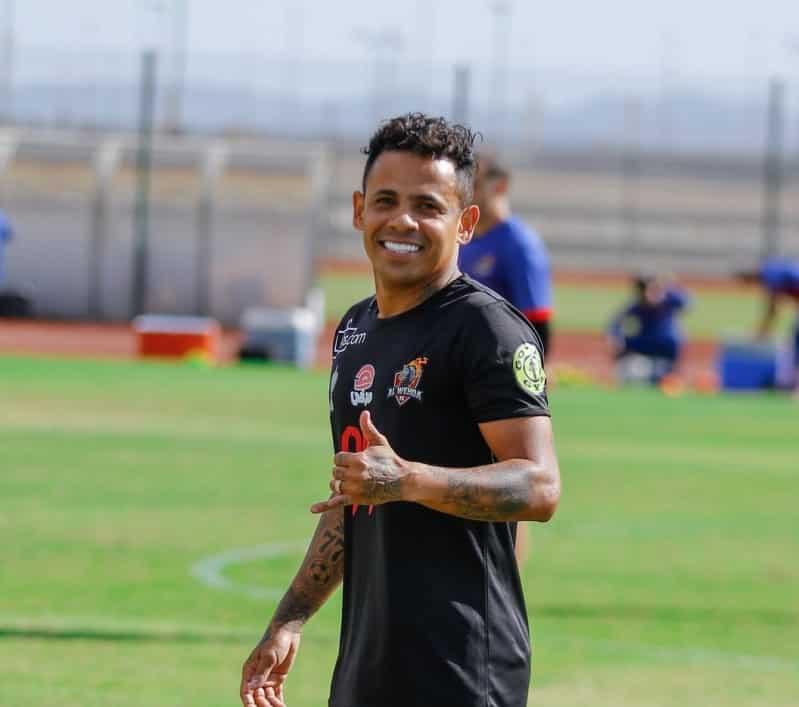 إلتون خوزيه ينضم إلى الحمرية الإماراتي