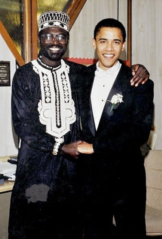 الأخ غير الشقيق لـ باراك أوباما يفضح عيوب الرئيس السابق