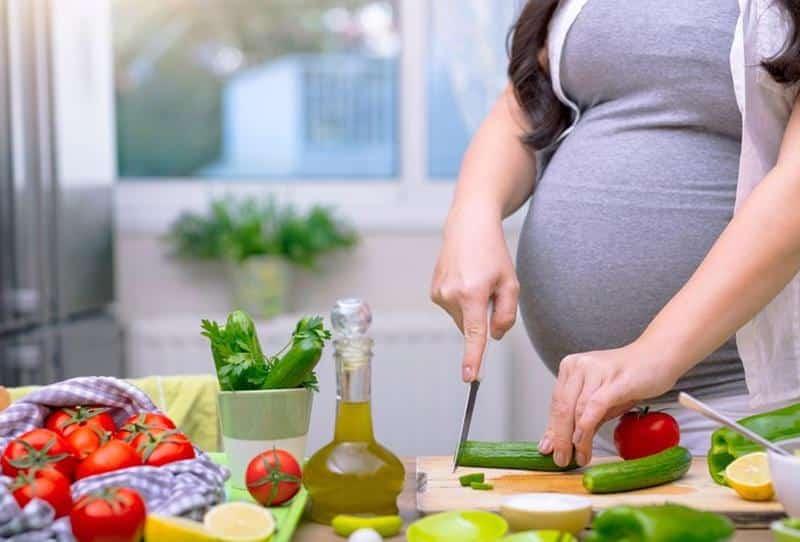 """استشارية لـ""""المواطن"""": هذه أهم الفيتامينات التي تحتاجها الحامل"""