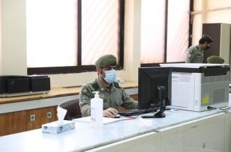 اللواء اليحيى يتفقد جوازات الرياض