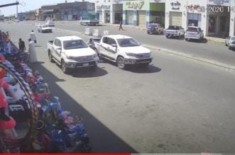 شاهد.. لحظة سرقة سيارة في وضح النهار بجدة - المواطن