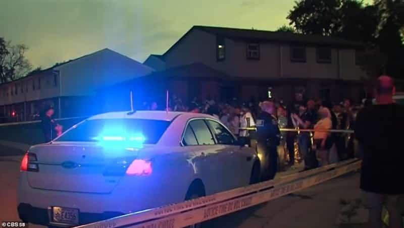 فيديو.. الشرطة الأمريكية تطلق 7 رصاصات في ظهر رجل أسود أمام أولاده (1)