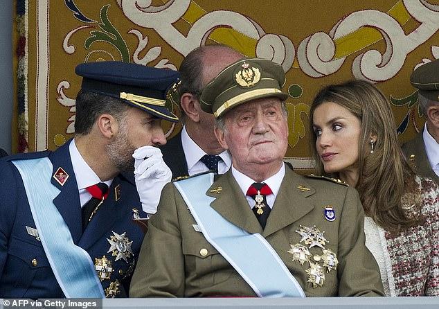 ملك إسبانيا خوان كارلوس يهرب إلى منفى قسري في الدومينيكان (3)