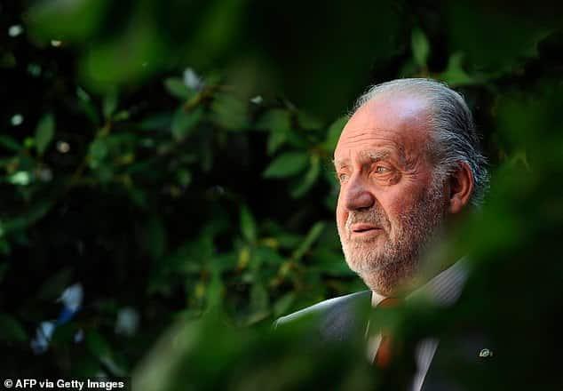ملك إسبانيا السابق خوان كارلوس يهرب إلى منفى قسري في الدومينيكان