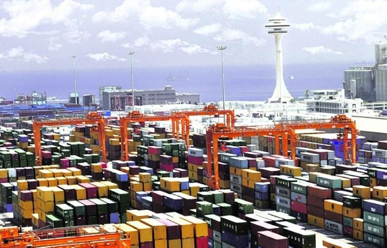 ميناء الدمام يستقبل أكبر حمولة حاويات على مستوى المملكة