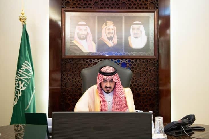 نائب أمير مكة يناقش خطة تطوير البنى التحتية وتنظيم الأحياء العشوائية