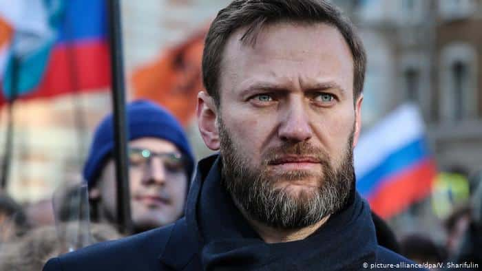 زوجة المعارض الروسي نافالني تطلب من بوتين السماح بعلاجه بألمانيا