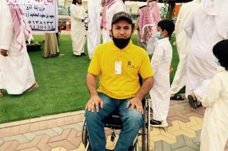 شاهد.. شاب يشارك في مهرجان الرمان رغم إعاقته بسراة عبيدة - المواطن