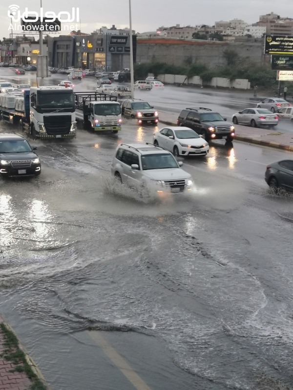 تحذير من التقلبات الجوية المصاحبة لـ أمطار عسير