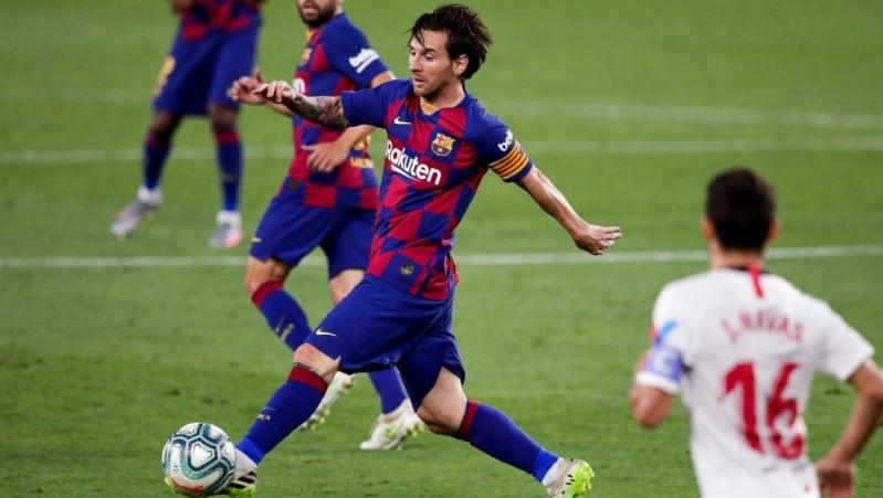 رسميًّا .. ميسي يؤكد بقاءه مع برشلونة