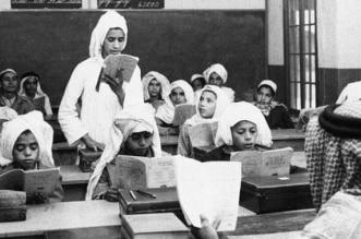صورة نادرة لطلاب أول مدرسة في الظهران قبل 70 عامًا - المواطن