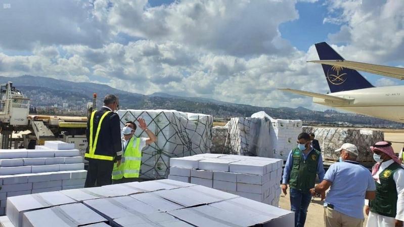 بالصور.. إغاثي الملك سلمان يسير الطائرة الإغاثية الرابعة إلى لبنان