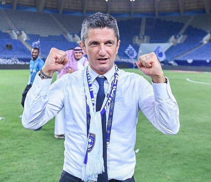 هل يرحل لوشيسكو عن الهلال بعد الفوز بـ الدوري ؟