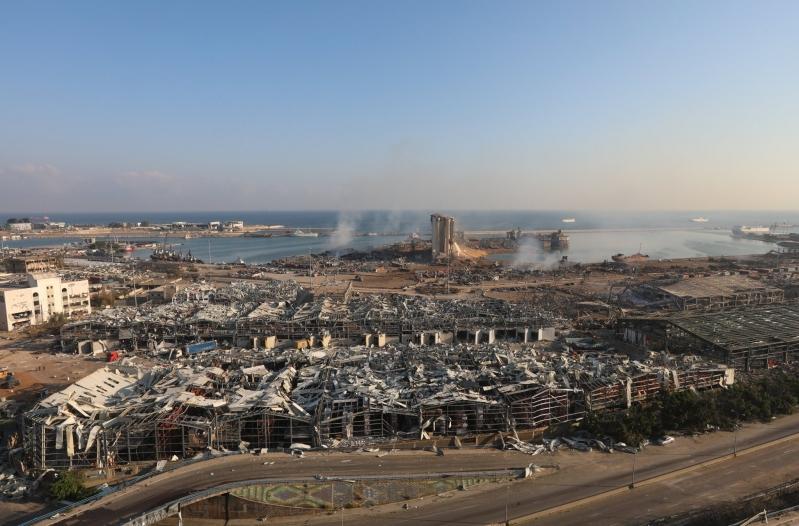 لبنان عاجزة أمام كارثة بيروت وتطلب العون
