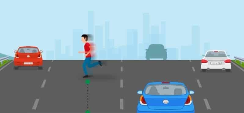 المرور يحدد قيمة مخالفة عبور المشاة للطرق السريعة