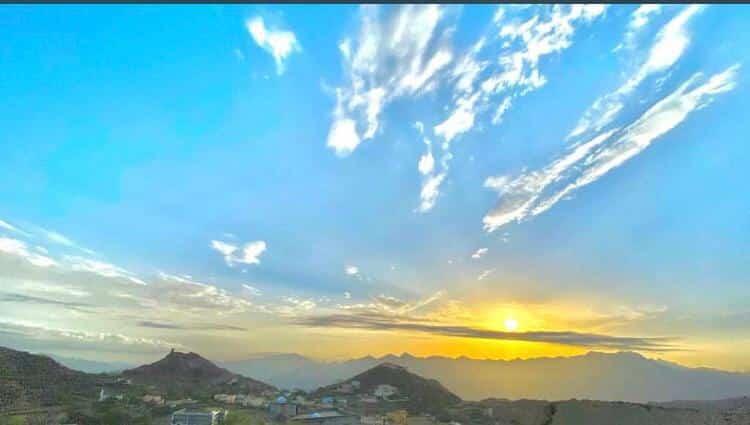 جمال الطبيعة بجبال آل يحيى ينتظر قطار التنمية والسياحة - المواطن