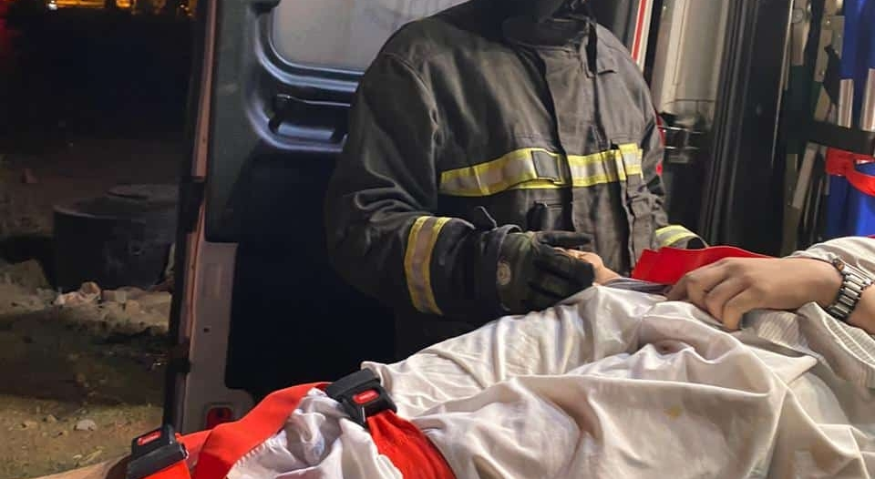 إصابة شخص سقط من فوق كوبري السامر بأبها على ارتفاع 20م