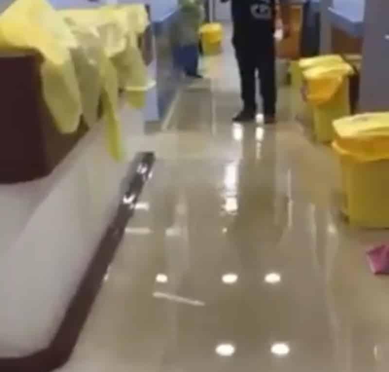 شاهد.. تسرب مياه الأمطار في مستشفى محمد بن ناصر بجازان - المواطن