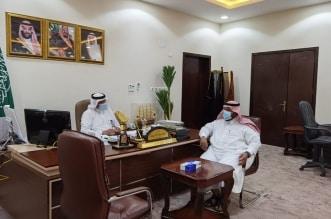 محافظ صامطة يبحث مع مدير التعليم خطط العام الدراسي الجديد - المواطن