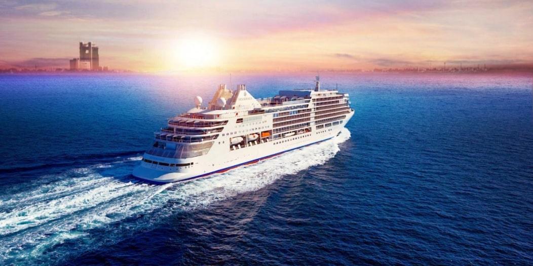 الأمواج تزف سفينة الكروز في أولى رحلاتها عبر ميناء الملك عبدالله
