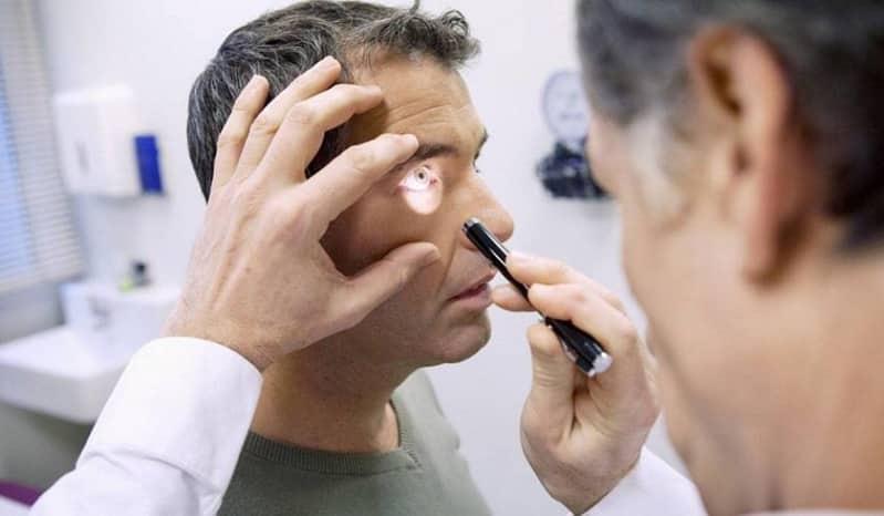 """طبيب عيون لـ""""المواطن """": 4 عوامل تمهد للإصابة بـ الاستجماتيزم"""