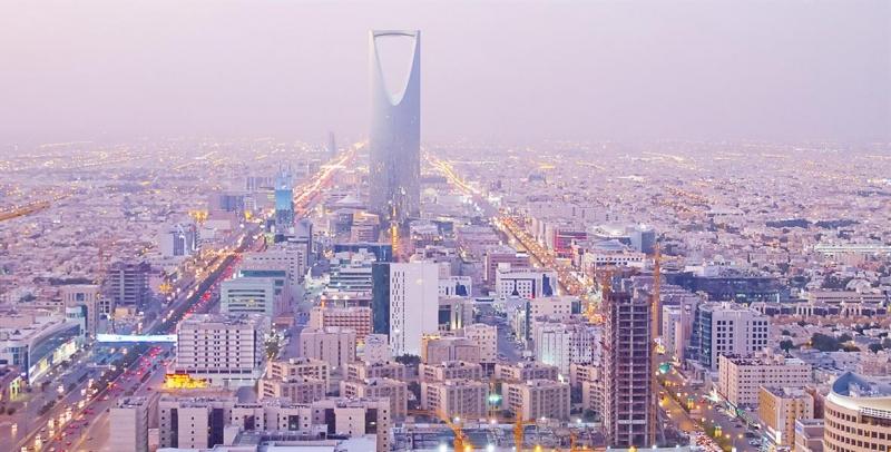 القبض على 6 وافدين اقتحموا شركات في الرياض لسرقة الأموال والمعدات - المواطن