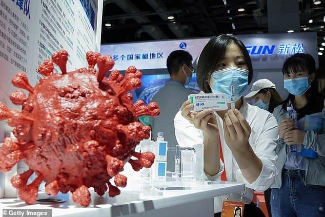 الصين تعلن توافر أحد لقاحات كوفيد-19 في الأسواق بعد شهرين فقط