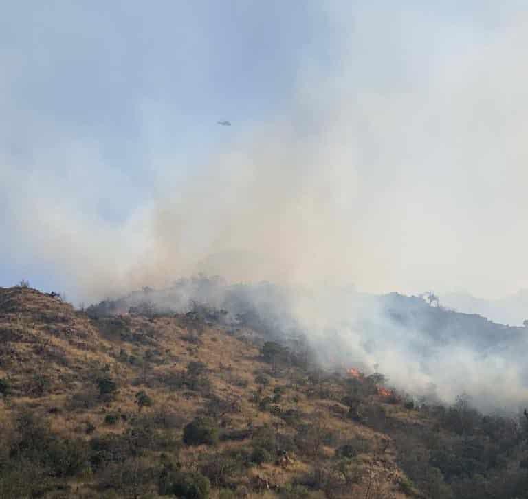 المدني يواصل مكافحة حريق جبل عمد ولا إصابات في الحادث
