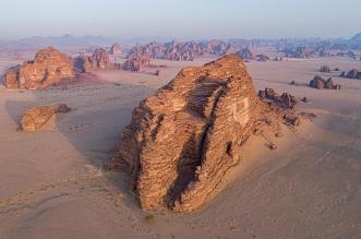 جبال من الأحجار الرملية في صحراء حسمى فماذا تعرف عنها؟ - المواطن