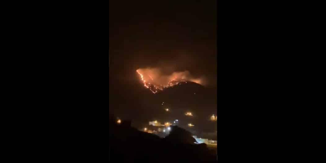 فيديو.. حريق كبير في جبال عمد بالطائف