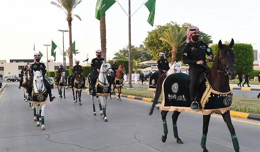 فيديو وصور.. جانب من احتفالات رئاسة الحرس الملكي باليوم الوطني 90